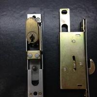 引き戸の鍵 WEST