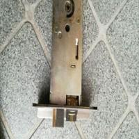 ドアノブ本体 鍵交換